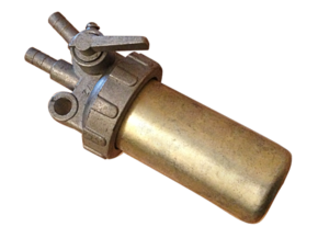 Кран топливный с вертикальными выходами  R175 R180 R185 R190 R195