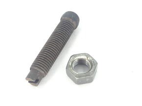 Болт регулировочный клапана DL190-12